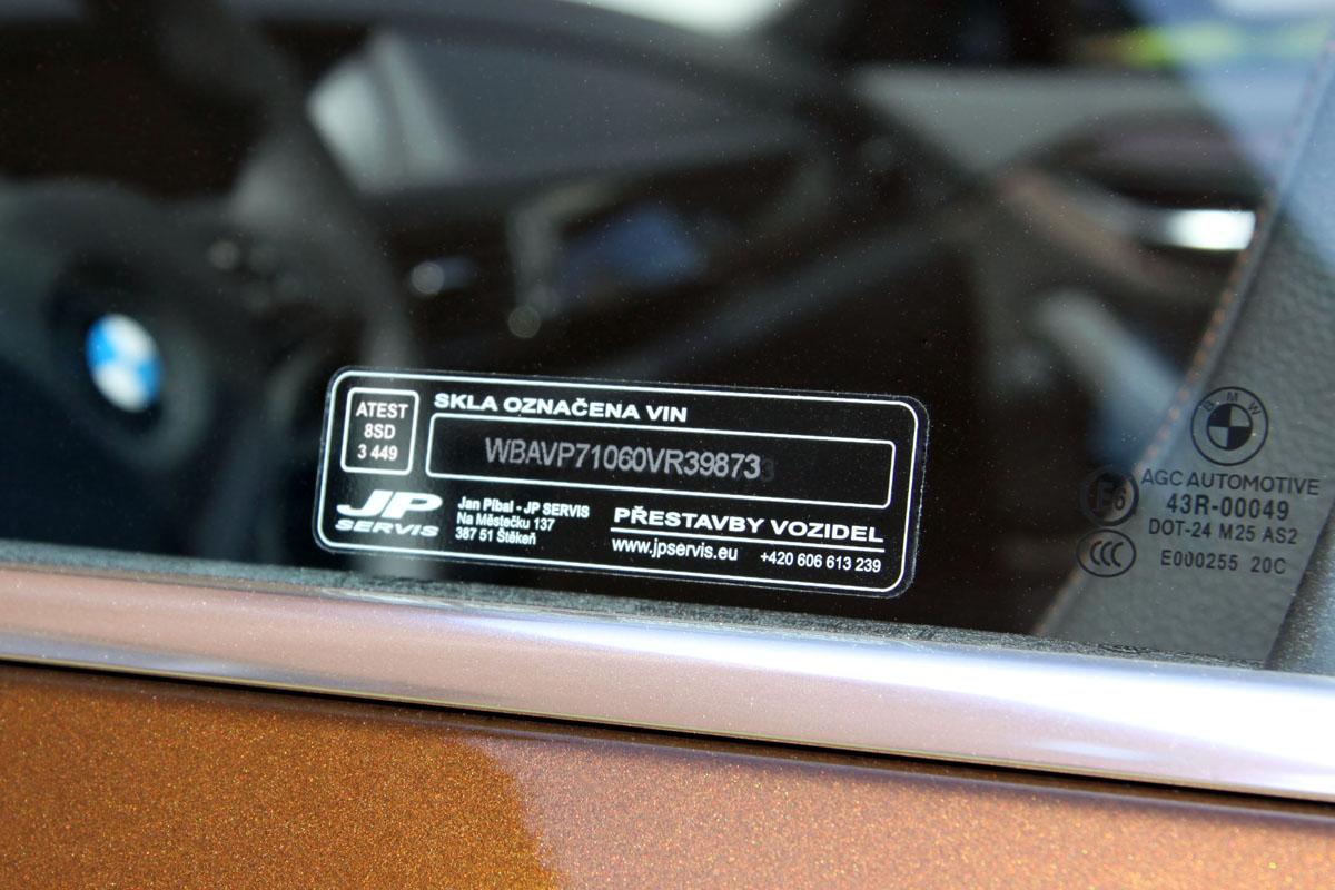 Bezpečnostní značení autoskel VIN kódem - leptáním