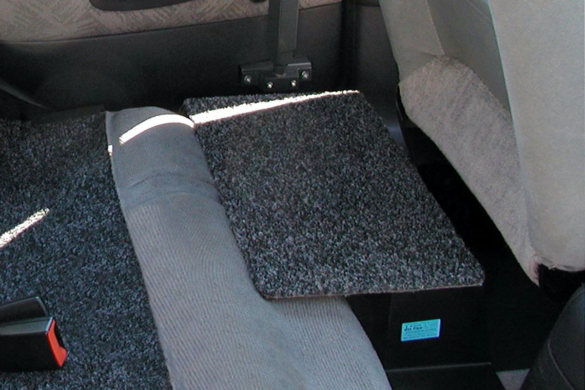 Vyrovnávací podložka prostoru za řidičem