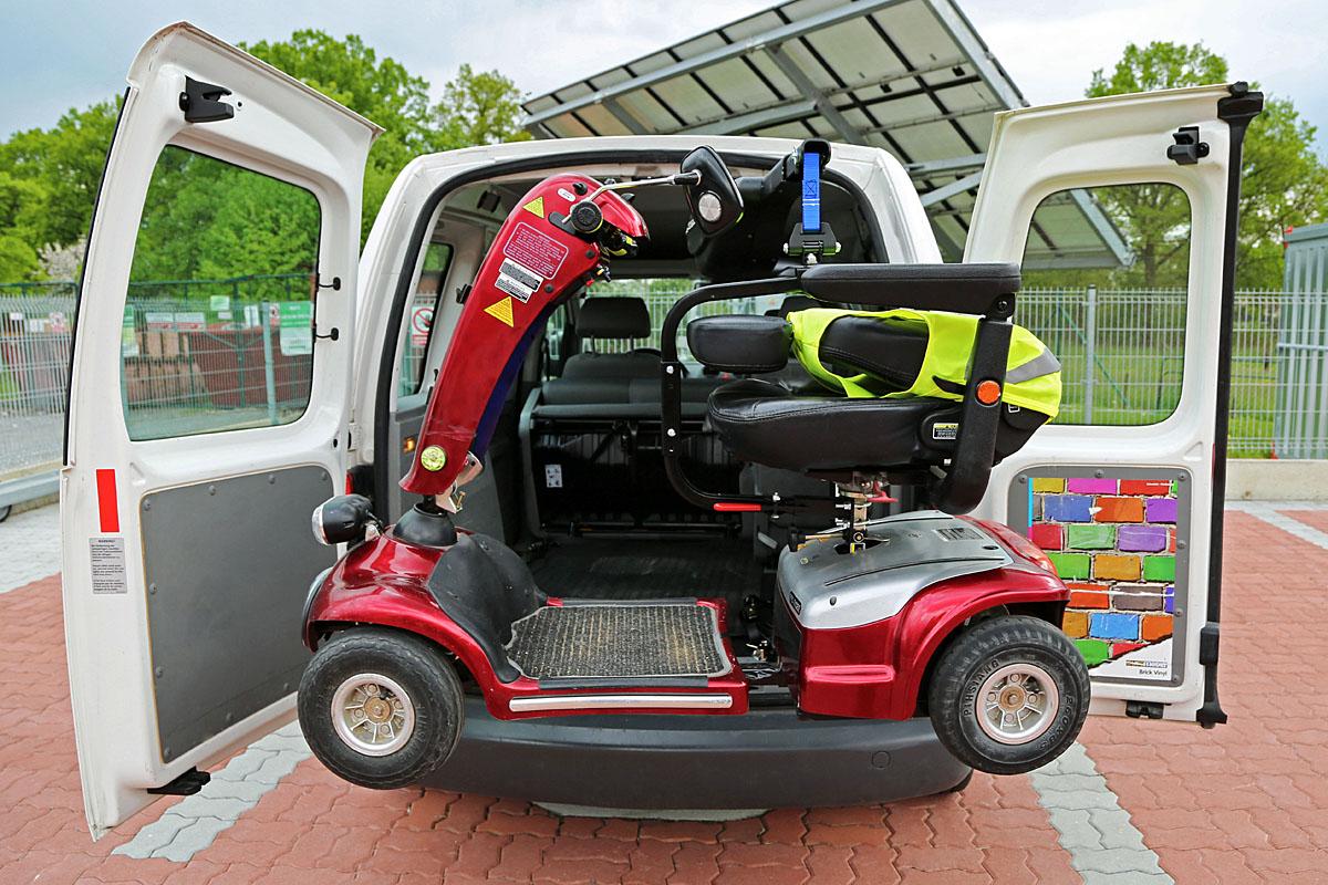 Elektrický jeřábek zavazadlový Harmar