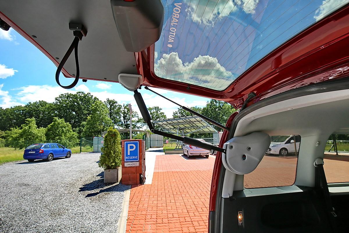 Elektrické otevírání zadních výklopných dveří AUTOMATIC DOOR